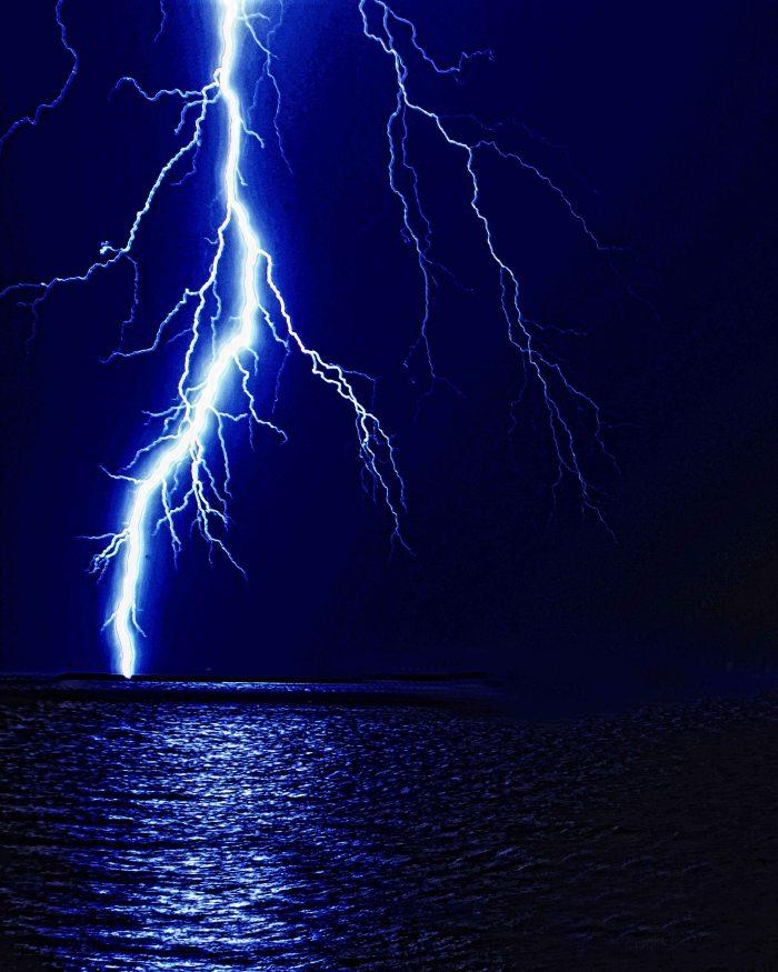Lightning letter head media 2